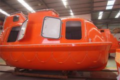 Customized lifeboat